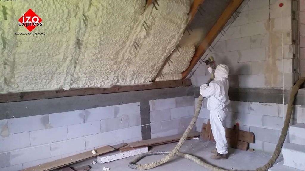 Genialny Ocieplenie poddasza Starachowice PIANKA PUR na dachu - IZOEXPRESS ER77