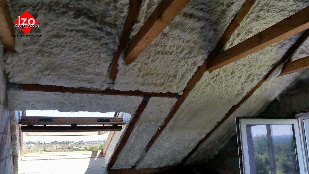 Bukowno – izolacja dachu pianką