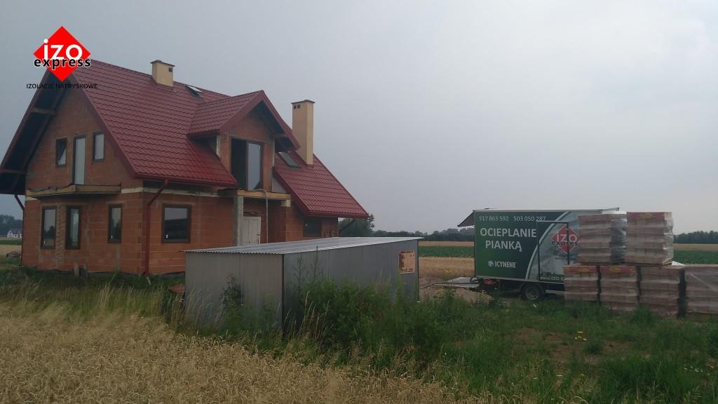 Wola Zdakowska – izolacja dachu pianką
